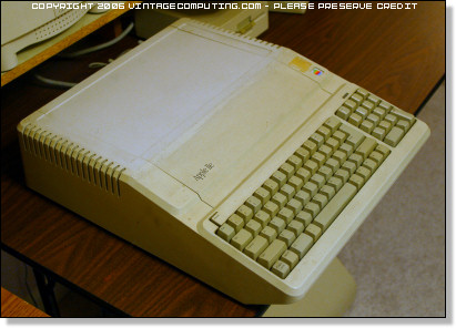 Discolored Apple IIe Platinum